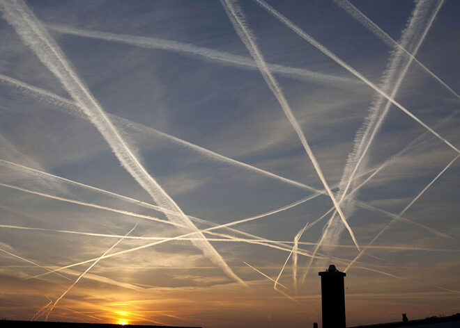 Covid Fighting Chemtrails Over Spain?